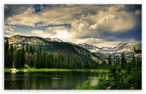 Download Mountains Valley UltraHD Wallpaper