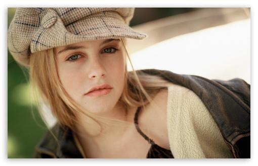 Download Alicia Silverstone Actress UltraHD Wallpaper