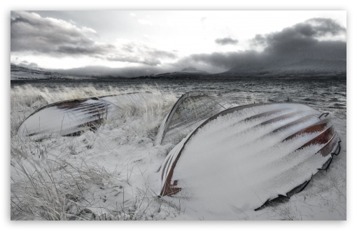 Download Snowy Boats UltraHD Wallpaper
