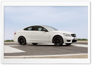 Mercedes Benz C63 Amg Coupe...