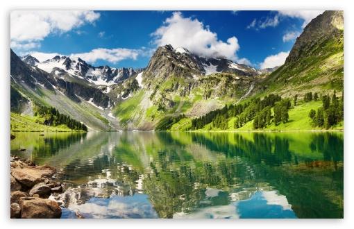Download Mountains Reflection UltraHD Wallpaper