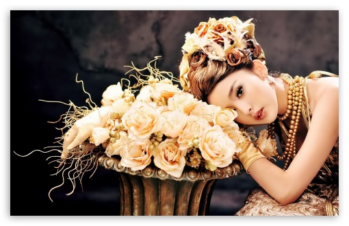 Download Asian Girl With Roses UltraHD Wallpaper