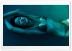 Olivia Wilde Underwater