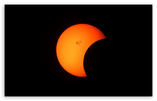 Download Partial Solar Eclipse UltraHD Wallpaper