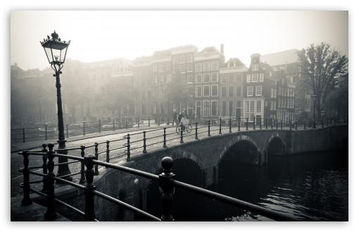 Download Misty Amsterdam UltraHD Wallpaper