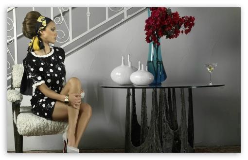 Download Cute Jessica Alba UltraHD Wallpaper