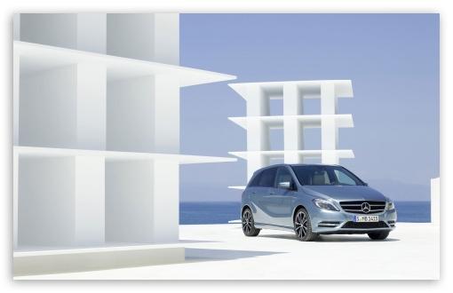 Download Mercedes Benz B Class UltraHD Wallpaper