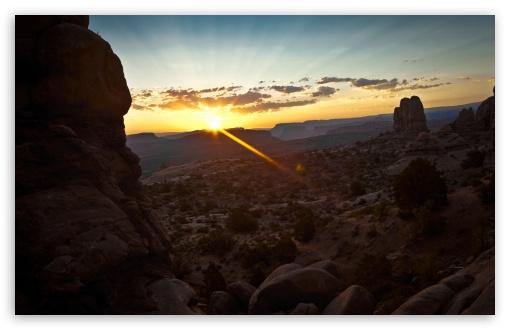 Download Canyon Sunrise UltraHD Wallpaper