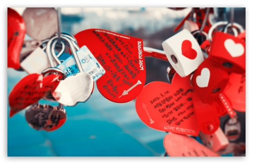 Download Love Locks UltraHD Wallpaper