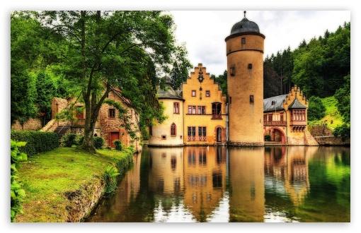 Download Mespelbrunn Castle, Germany UltraHD Wallpaper