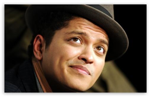 Download Bruno Mars UltraHD Wallpaper