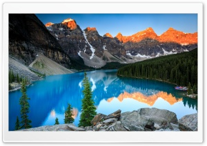 Beautiful Moraine Lake, Sunrise