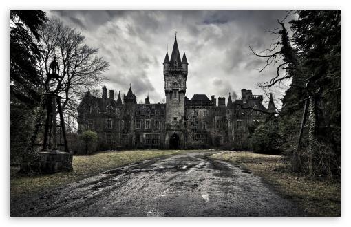 Download Spooky Castle UltraHD Wallpaper
