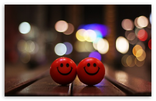 Download Happy Smiley UltraHD Wallpaper