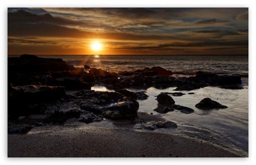 Download Rocky Beach Sunset UltraHD Wallpaper