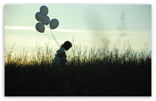 Download Girl With Balloons UltraHD Wallpaper