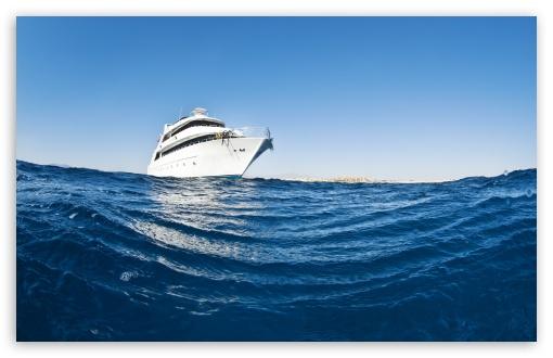 Download Yacht UltraHD Wallpaper