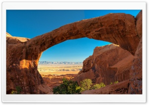 Travel Double O Arch, Utah,...