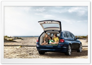 BMW 5 Series Touring F11   Beach