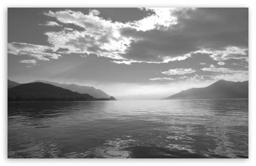 Download Lago Maggiore UltraHD Wallpaper